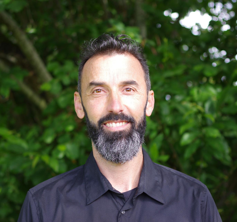 Gérald Mercier Instructeur de méditation de pleine conscience, professeur de Yoga